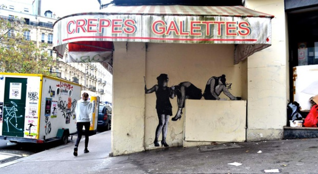 12-street-art-in-paris-by-levalet