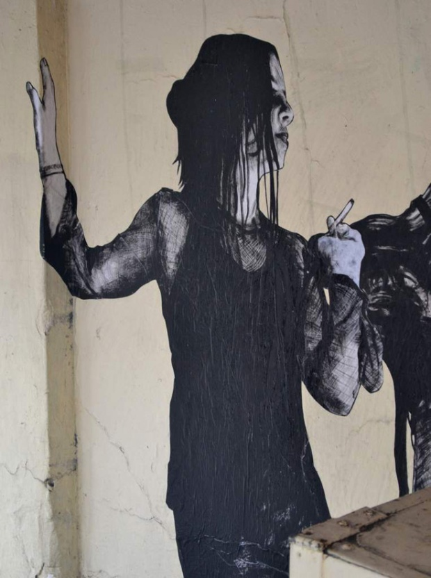 12B-street-art-in-paris-by-levalet