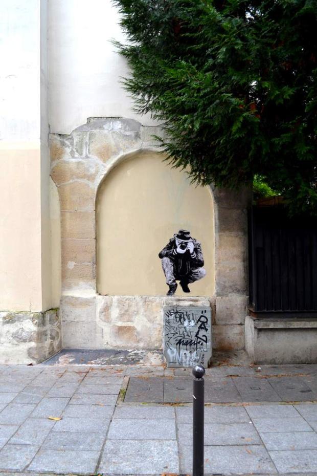 14-street-art-in-paris-by-levalet1