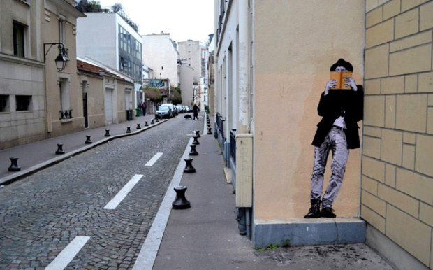 5-street-art-in-paris-by-levalet