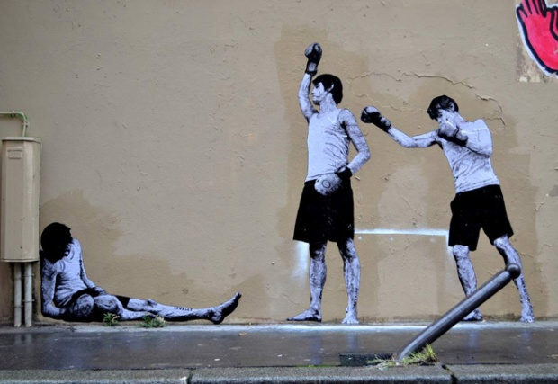9-street-art-in-paris-by-levalet